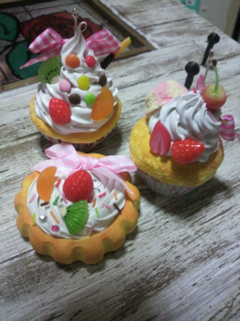 カップケーキとタルト
